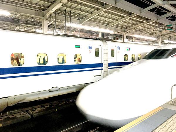 新大阪駅の新幹線