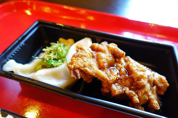 水餃子と鶏の唐揚げ