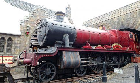 蒸気機関車や車掌と記念写真の撮影ができるホグワーツ特急フォトオポチュニティ