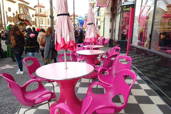 ピンクカフェのテラス席