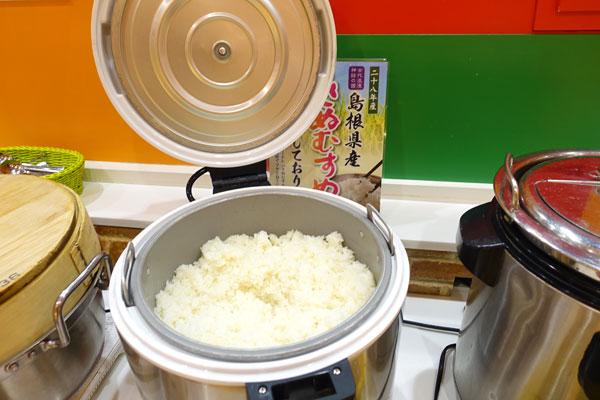 白ごはんは島根県産のきぬむすめ
