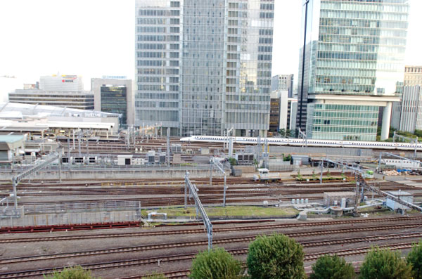 新幹線でテーマパークをハシゴする