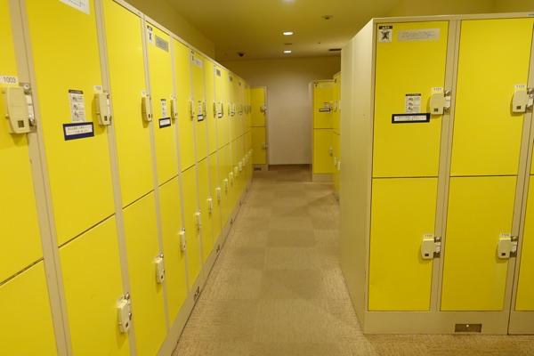 黄色タイプのコインロッカー