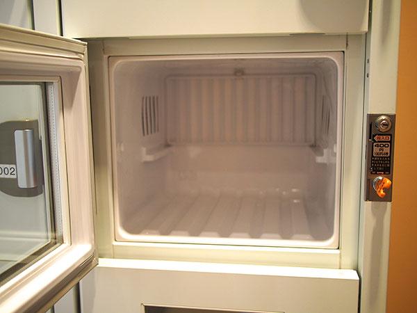 冷蔵のロッカー