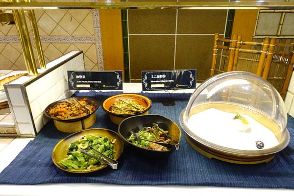 和惣菜やミニ海鮮丼