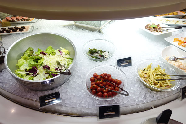 サラダ類も充実