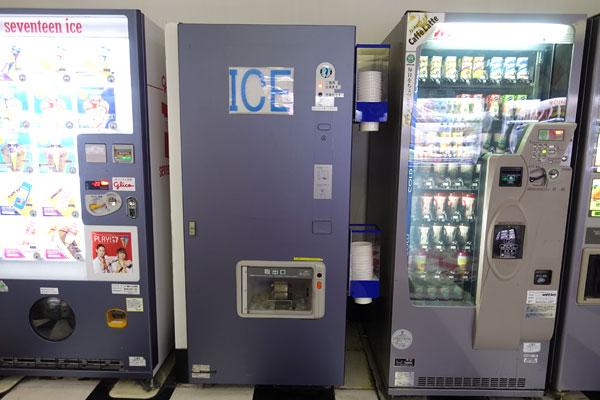 アイスや箱のジュース