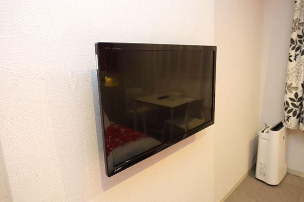壁付け液晶テレビ
