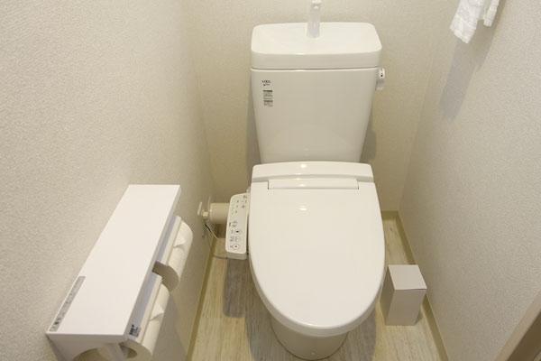 トイレはウォシュレットタイプ