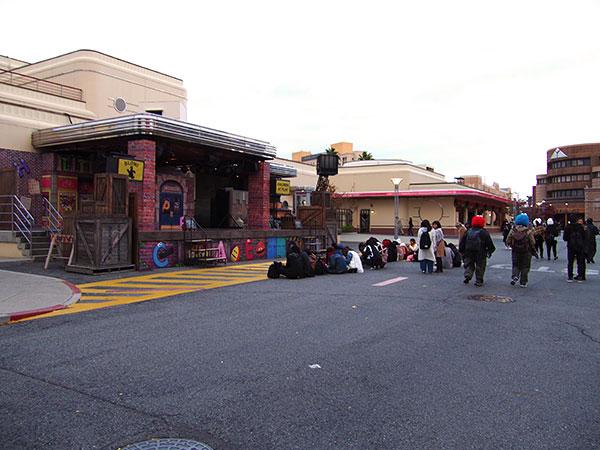 「セサミストリート・アルティメイト・ダンス」の場所は