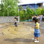 USJ「ウォーターガーデン」は地面から水が飛び出す不思議な庭