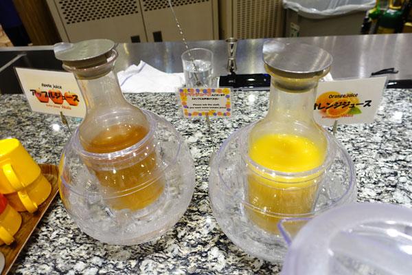 オレンジジュースやアップルジュース