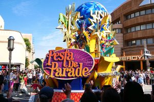 USJハロウィーン「フェスタ・デ・パレード」2017年の開催期間、コース、熱狂エリアのまとめ