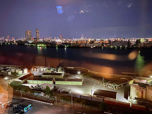 【USJシンギュラリホテル大浴場スカイスパ】湯上がり処から見る夜景