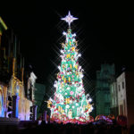 【USJの新しいクリスマスツリー2017】高さは30m、電飾数でギネス認定、期間は2018年1月8日まで