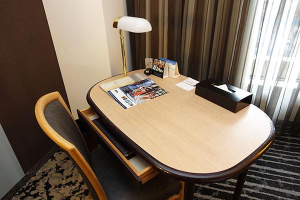 ホテルニューオータニ大阪のデスク