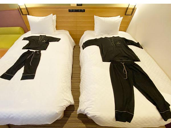 【USJシンギュラリホテル】大人用パジャマと子ども用パジャマの比較
