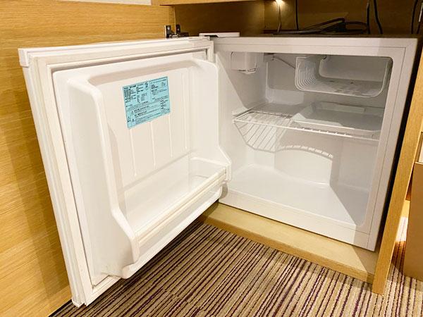 【USJシンギュラリホテル】冷蔵庫の中身はからっぽ