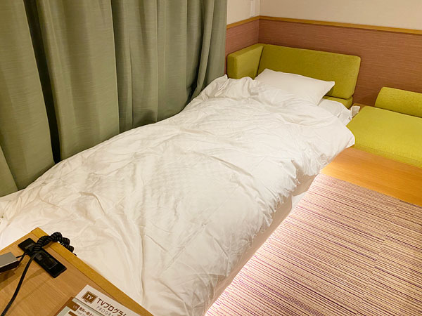 【USJシンギュラリホテル】掛け布団をセット