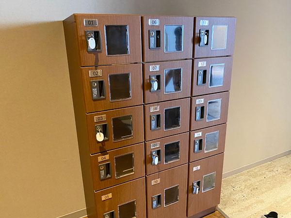 リーベルホテルのリラクゼーションルームのロッカー