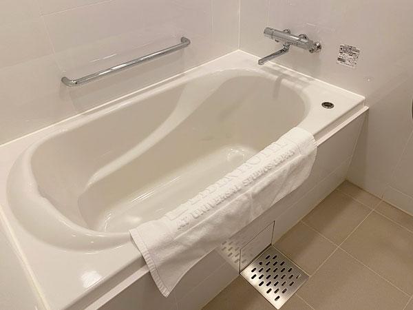 【リーベルホテルの部屋】バスルームの浴槽
