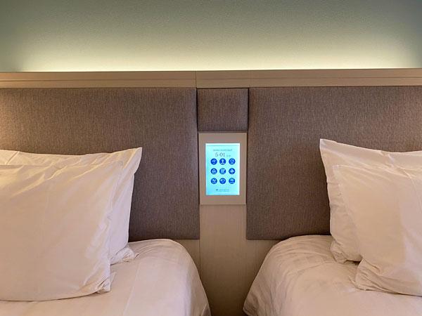 リーベルホテルのベッド枕元のタッチパネル