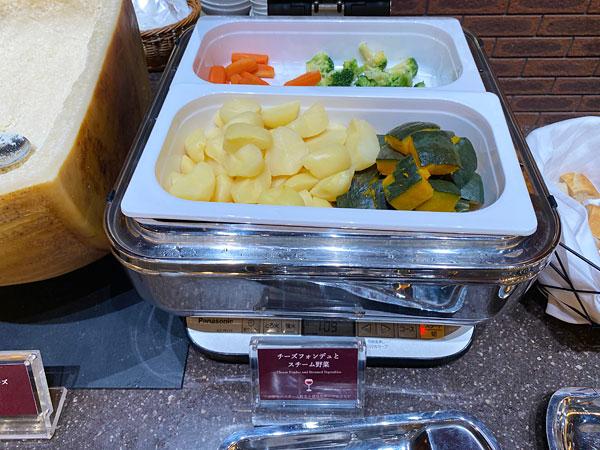 チーズフォンデュとスチーム野菜