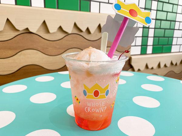 ピーチ姫の桃クリームソーダ