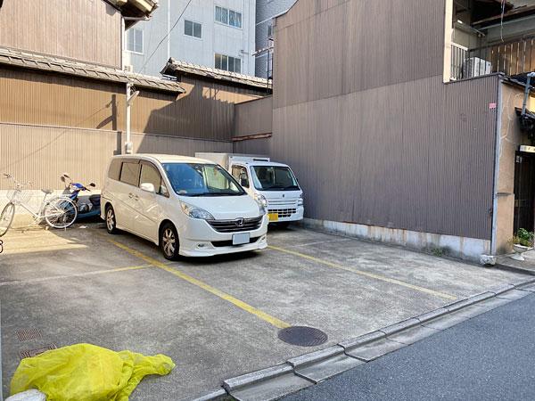 今西軒の駐車場