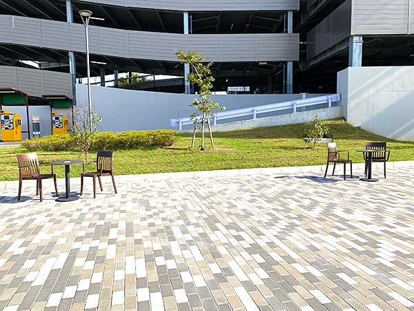 クインテッサホテル大阪ベイのシャトルバス乗り場(USJ側)にある休憩スペース