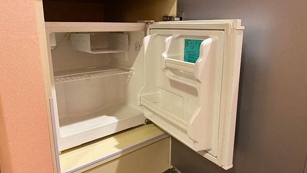 【ホテルシーガルてんぽーざん大阪】冷蔵庫をあけたところ