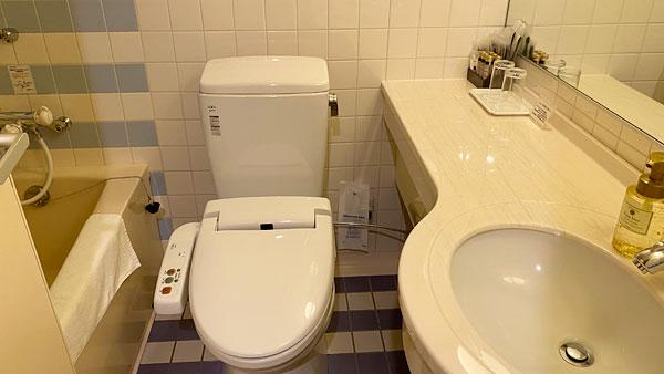 【ホテルシーガルてんぽーざん大阪】トイレと洗面所とお風呂
