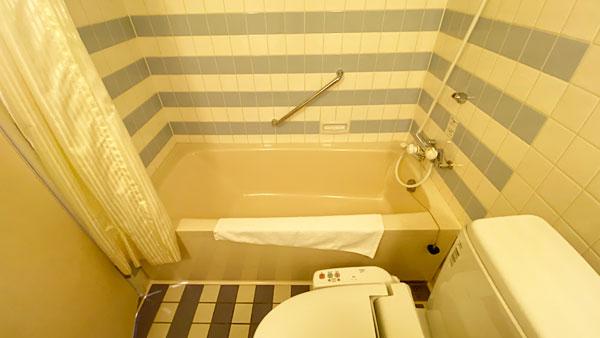 【ホテルシーガルてんぽーざん大阪】お風呂場の全体写真