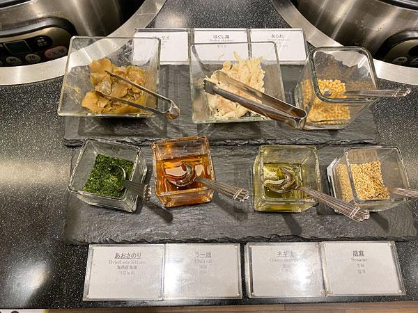 お粥用の薬味【クインテッサホテル大阪ベイの朝食ブッフェ】