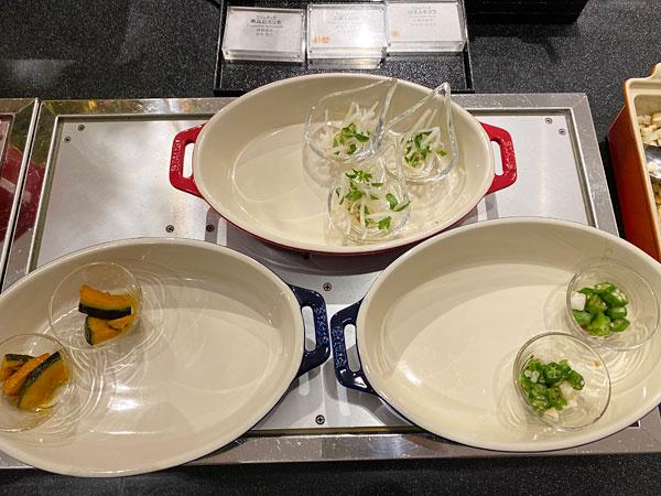【クインテッサホテル大阪ベイの朝食ブッフェ】南瓜のマリネ、大根と胡麻、山芋とオクラ