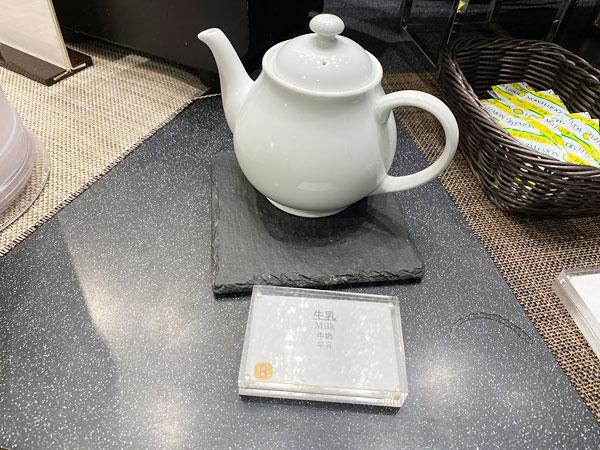 牛乳(ホット)【クインテッサホテル大阪ベイの朝食ブッフェ】