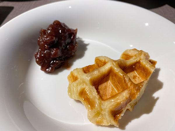 クロッフルとあんこ【クインテッサホテル大阪ベイの朝食ブッフェ】
