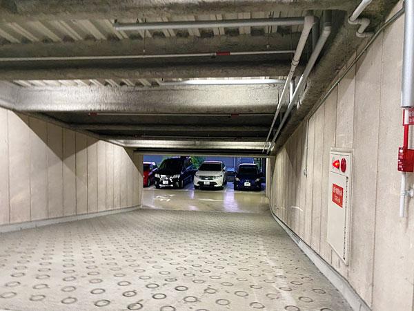 ハイアットリージェンシー大阪の立体駐車場