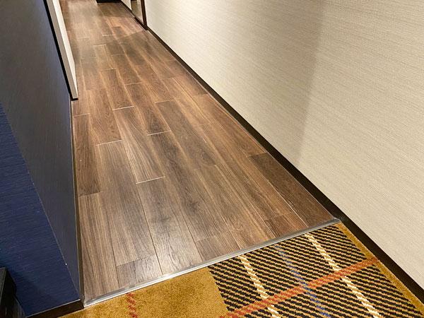 【クインテッサホテル大阪ベイ】ファミリータイプの部屋の床