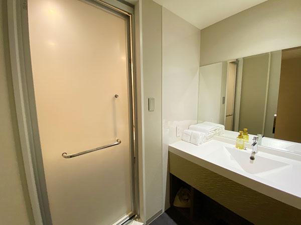 【クインテッサホテル大阪ベイ】浴室と洗面所