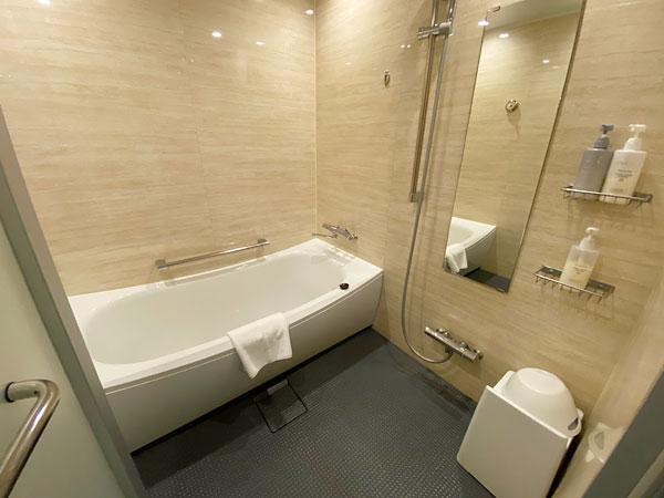 【クインテッサホテル大阪ベイ】浴室の広角撮影写真