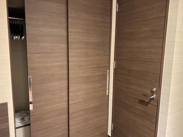 【クインテッサホテル大阪ベイ】トイレとクローゼット