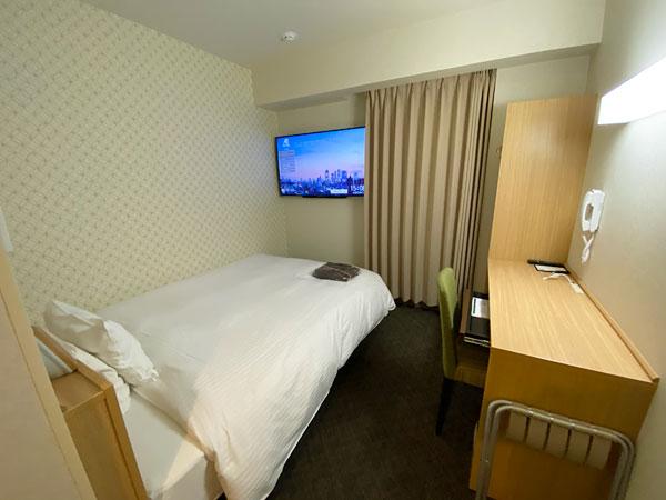 【ABホテル堺東】部屋全体の広角な写真