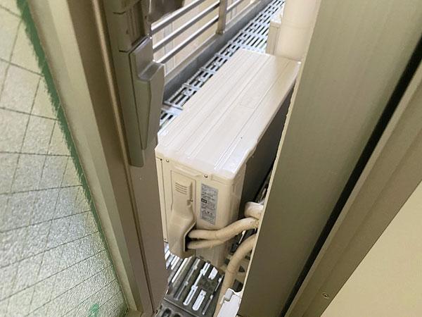 【ABホテル堺東】エアコンの室外機がおいてあるスペース