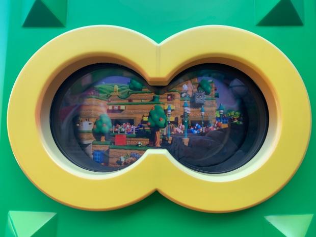ニンテンドーワールドの双眼鏡の中