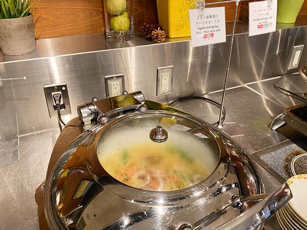 イカと春野菜のアーリオオーリオ(ホテル日航大阪セリーナのランチブッフェ)