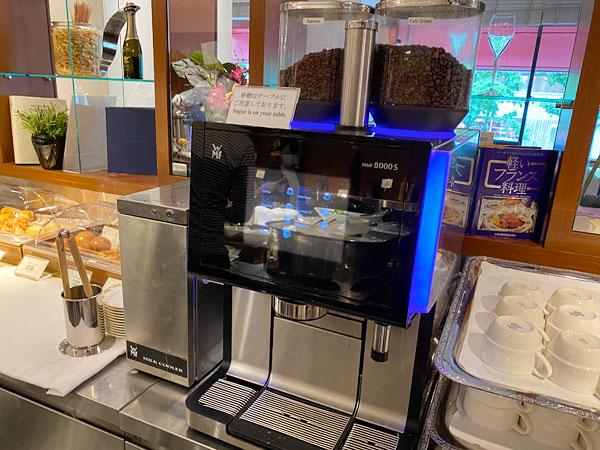 コーヒーマシン(ホテル日航大阪セリーナのランチブッフェ)