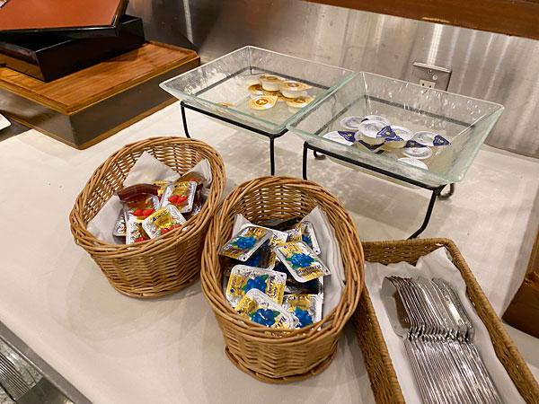バターやジャム(ホテル日航大阪セリーナのランチブッフェ)