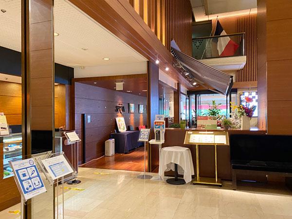 ホテル日航大阪のカフェレストラン「セリーナ」の外観写真