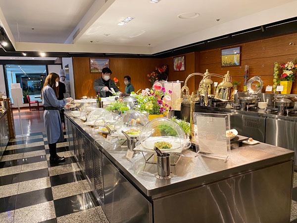 ホテル日航大阪のカフェレストランセリーナのランチブッフェ